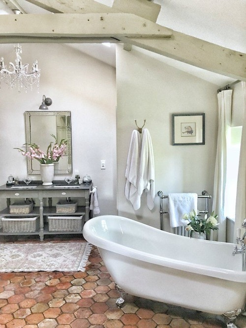 elegant-bathroom-lighting-french-country-style