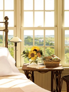 elegant-bedroom-sunshine